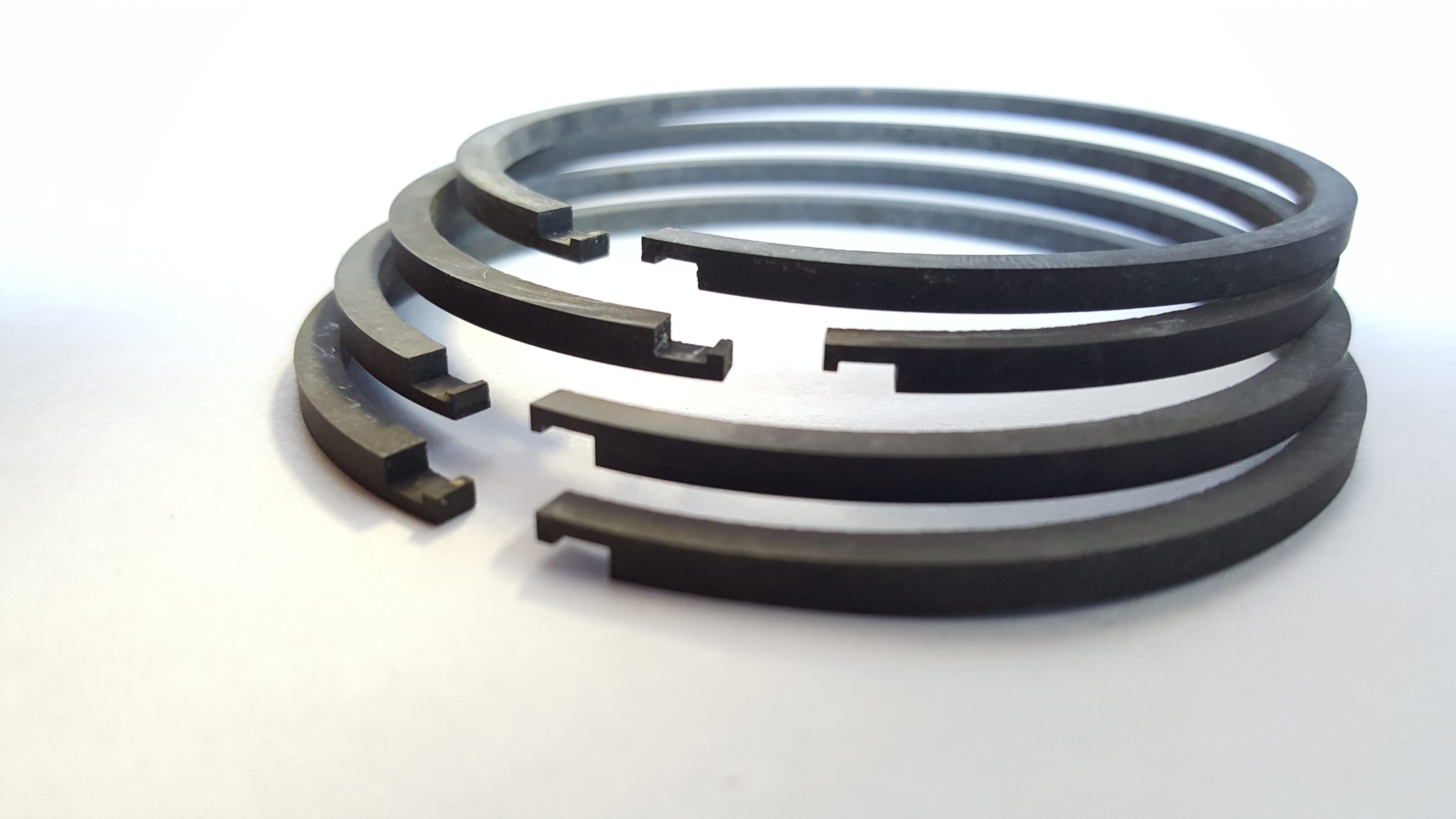 Hook Step piston ring joint configuration