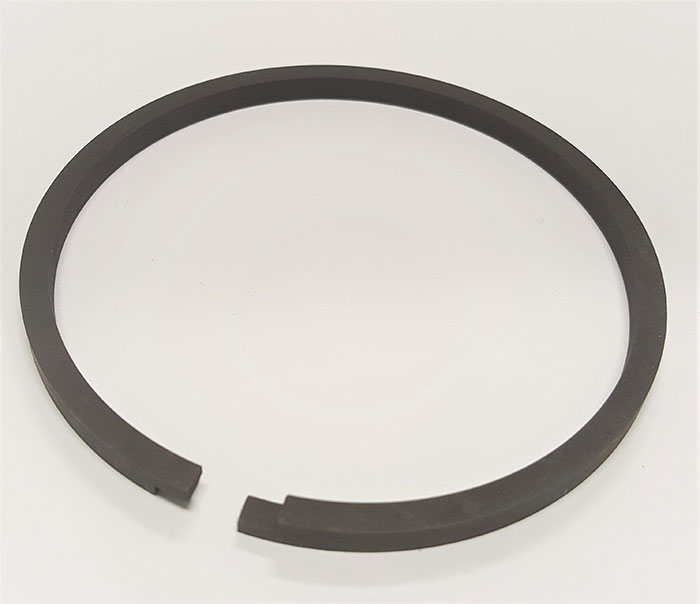 Black magnesium phosphate coating on a cast iron, step cut piston ring
