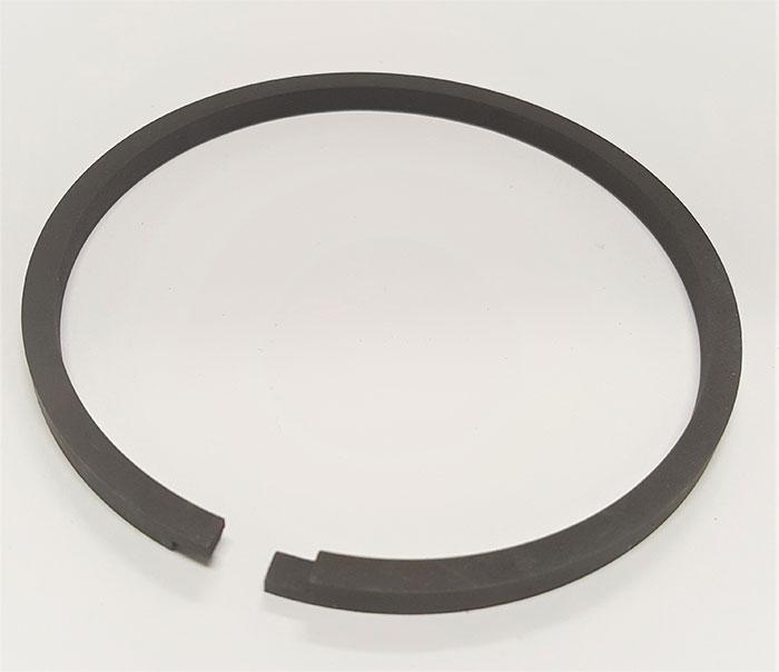 Black magnesium phosphate coating on a cast iron, step cut piston ring