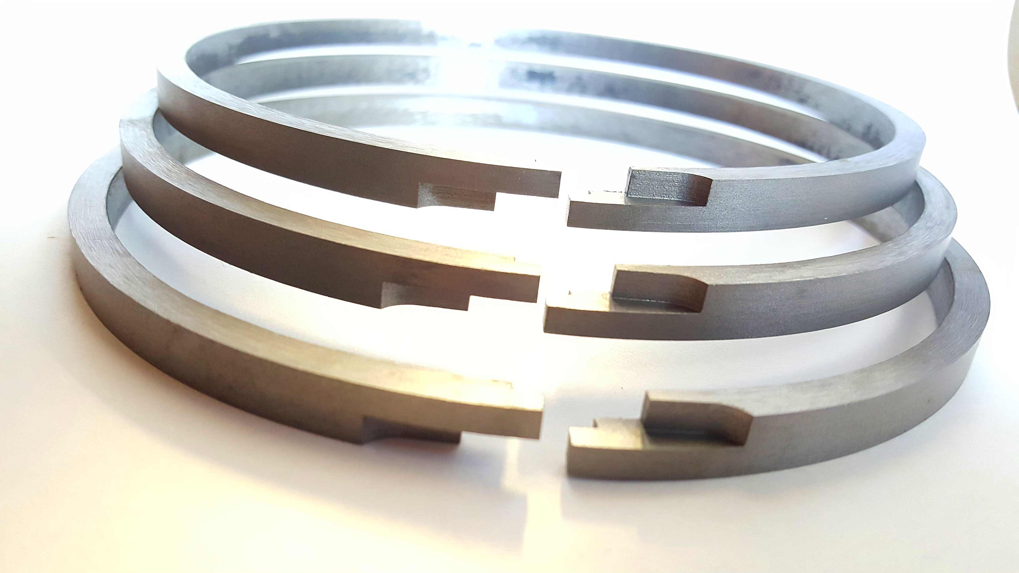 Ultra seal piston ring joint configuration